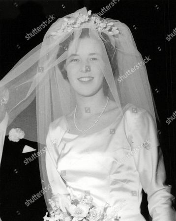 Stock Picture of Miss Diana Whitworth-jones On Her Way To Her Wedding To Mr Peter Beck At St. Margarets Westminster. Box 639 720101511 A.jpg.
