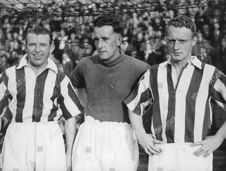 Stock Picture of L-r: William Edward (billy) Hayes Ray Dring And Jeff Barker Huddersfield Town F.c. Footballers. Box 641 71911156 A.jpg.