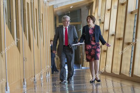 Iain Gray and Kezia Dugdale, Leader of the Scottish Labour Party, make their way to the Debating Chamber