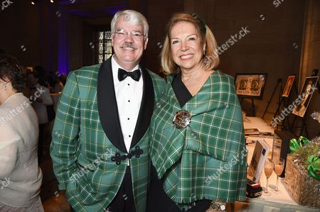 Stock Photo of Robert Currie and Suzanne Currie