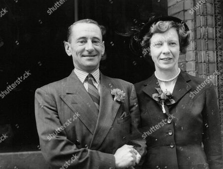 Explorer Francis Kennedy Pease And His Bride Miss Elizabeth Turner After Their Wedding At Kensington Register Office Today. Mr Pease Was A Member Of The 1925 Antarctic Expedition In The Discovery. Box 643 1024111518 A.jpg.