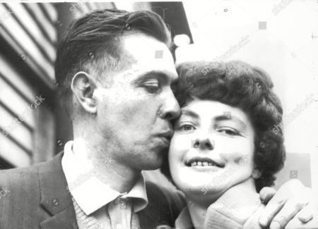 Editorial image of Elsie Cupit 21-year-old Who Was Jilted Three Weeks Ago Met Jimmy Mckenna For The First Time Yesterday They Plan To Marry In October. (for Full Caption See Version) Box 644 12511156 A.jpg.