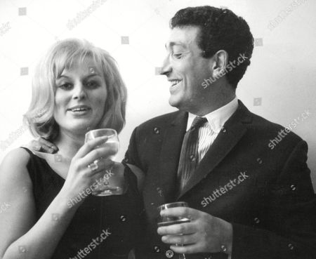 Ray Martine Comedian And Tv Presenter With His Fiance Fashion Designer Jeanne Mandry. Box 644 725111517 A.jpg.