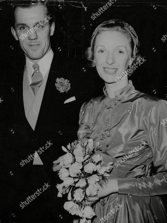 England Rugby Player Jim Unwin Marries Actress Georgina Cookson. The Bride And Groom After The Ceremony. Box 645 826111539 A.jpg.