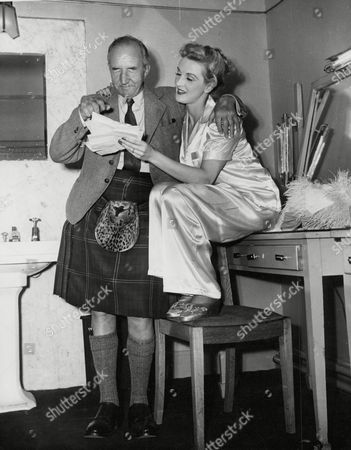 Actress Anne Crawford And Her Father Captain Tom Crawford In Her Dressing Room At The Theatre Royal Glasgow. Box 648 602121541 A.jpg.