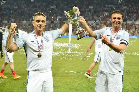 Robbie Williams and Jonathan Wilkes