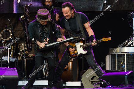 Bruce Springsteen and the E Street Band - Bruce Springsteen, Nils Lofgren