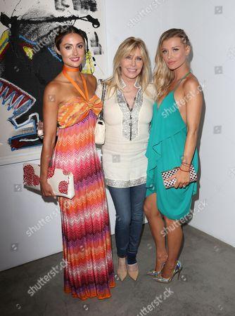 Katie Cleary, Lisa Gastineau, Joanna Krupa