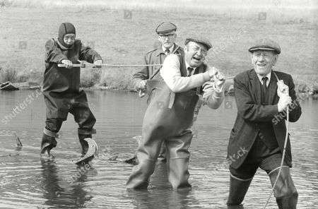 Tv Programme: Last Of The Summer Wine. L-r: Compo (bill Owen) Foggy (brian Wilde) Clegg (peter Sallis) And Wally Batty (joe Gladwin). Box 650 304121526 A.jpg.