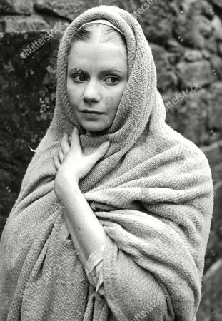 Tv Programme: Legend Of King Arthur. Felicity Dean As Guinevere. (october 1979 Picture No Exact Date Available) Box 650 404121548 A.jpg.