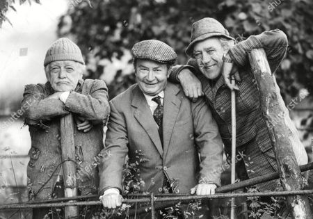Tv Programme: Last Of The Summer Wine. L-r: Compo (bill Owen) Clegg (peter Sallis) And Seymour (michael Aldridge). Box 650 504121510 A.jpg.