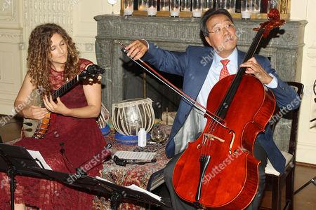 Stock Image of Abigail Washburn and Yo-Yo Ma
