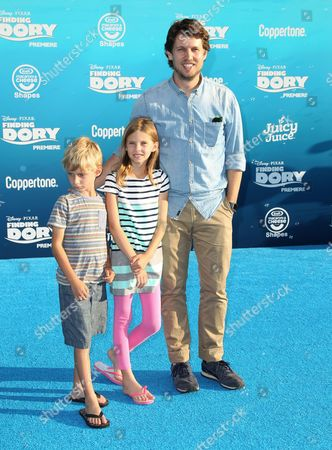 Jon Heder and family