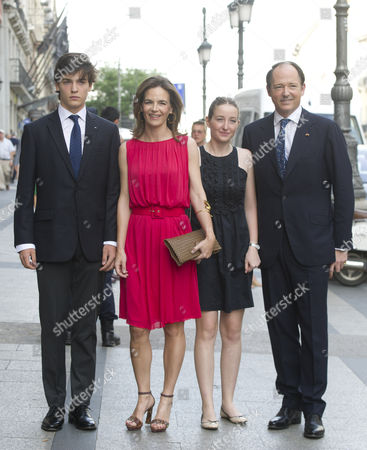 Konstantin-Assen, Prince of Vidin, and wife Princess Maria of Bulgaria with her children Umberto and Sofia
