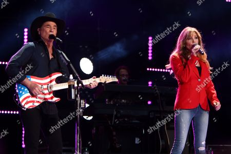 Stock Image of Clint Black, Lisa Hartman Black
