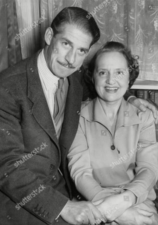 Stock Image of Maudie Edwards Actress Singer And Comedienne And Her Fiance William Nichols-marcy A London Businessman. Box 653 410121545 A.jpg.