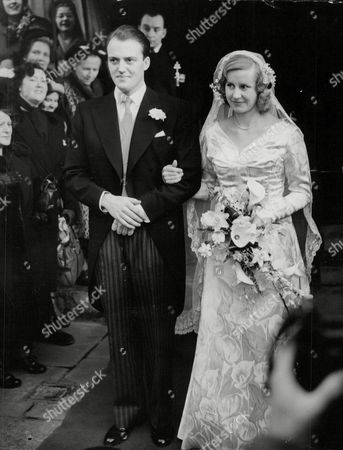 June Spencer Spriggs And Husband Douglas Howden After Their Wedding. Box 653 710121518 A.jpg.