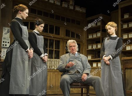 Naomi Frederick as Maggie Hobson, Gabrielle Dempsey as Vickey Hobson, Martin Shaw as Henry Hobson, Florence Hall as Alice Hobson