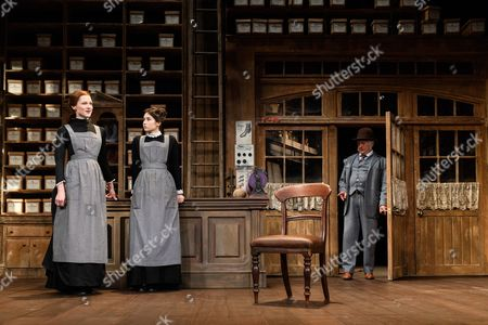 Naomi Frederick (Maggie Hobson), Gabrielle Dempsey (Vicky Hobson), Martin Shaw (Henry Horatio Hobson)