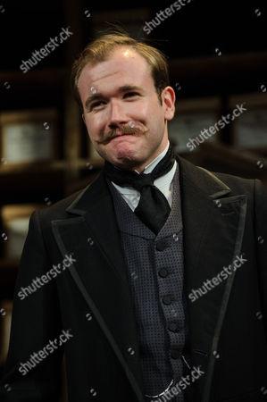 Joe Bannister (Albert Prosser)