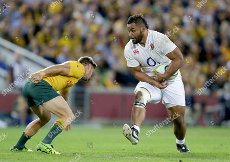 Billy Vunipola of England runs into Rob Horne of Australia during the International Series match between Australia and England at Suncorp Stadium, Brisbane - 11/06/2016 ©Matthew Impey / Wired Photos Picture by Matt Impey +44 7789 130347