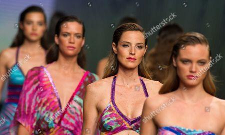 Aida Artiles and models