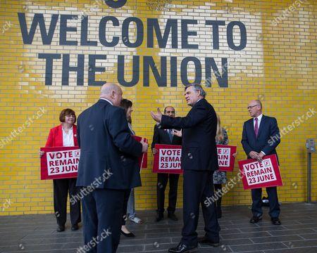 Gordon Brown talking to Joe Anderson