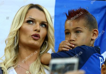 Ludivine Payet and son