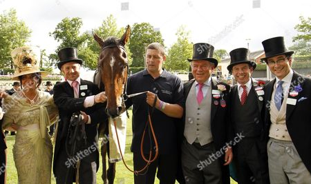 DEFROCKED with Jamie Osborne (2nd right) and Michael Buckley (3rd right) after The Britannia Stakes Royal Ascot