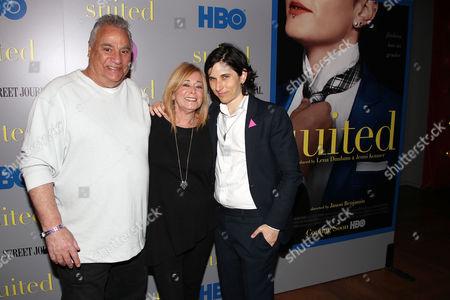 Melissa Plaut with parents