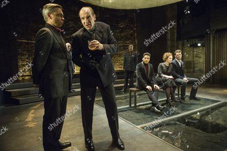 Stock Image of James Garnon as Lord Hastings, Ralph Fiennes as Richard, Joshua Riley as Marquess of Dorset, Aislin McGuckin as Queen Elizabeth, Joseph Arkley as Earl Rivers