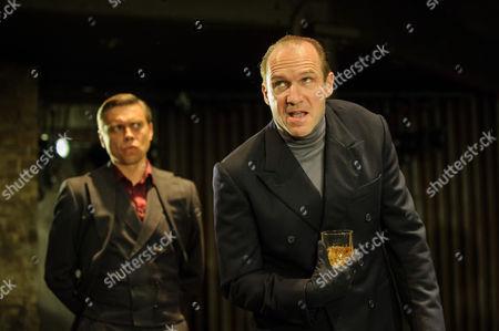 James Garnon (William, Lord Hastings), Ralph Fiennes (Richard, Duke of Gloucester)