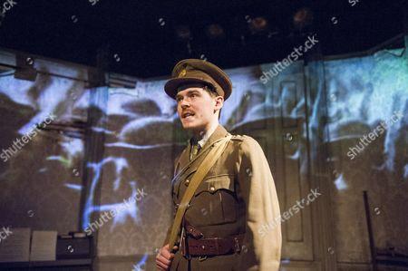 Alexander Knox as Charlie
