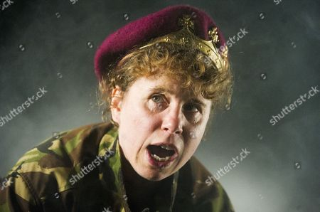 Michelle Terry as King Henry V