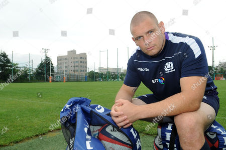 Gordon Reid - Scotland prop hits the training field for the first time after being called out as an injury replacement for Alasdair Dickinson.