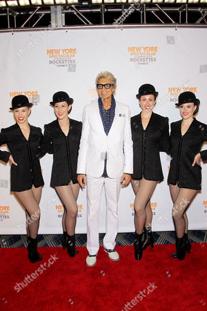 Tommy Tune with Rockettes