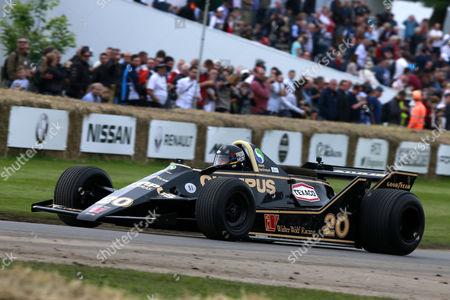 Freddie Hunt in a Wolf F1