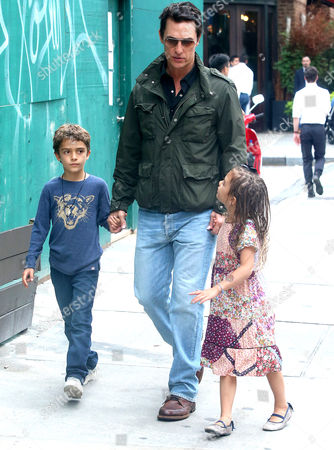 Stock Picture of Matthew McConaughey, Levi Alves McConaughey, Vida Alves McConaughey