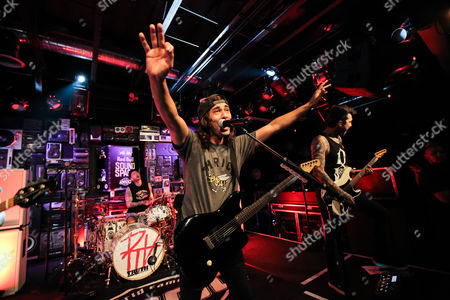 Mike Fuentes, Vic Fuentes, Tony Perry