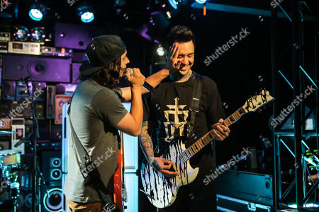 Vic Fuentes and Tony Perry soundcheck