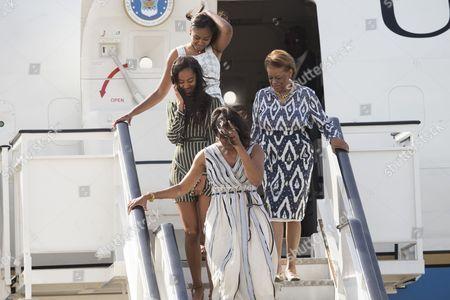 Stock Photo of Michelle Obama, Malia Obama, Sasha Obama and Marian Robinson