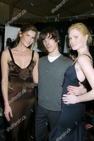 Daniel Vosovic with models