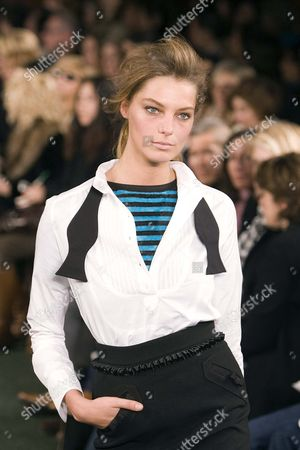 Daria Werbowy at Luella Bartley fashion show