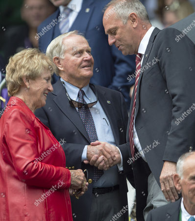 Golfer Jack Nicklaus and his wife Barbara meet with Sir Steve Redgrave