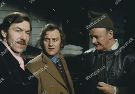 John Thaw, Robert Urquhart, George Innes (Season 1, Episode 3 - Old Comrades)