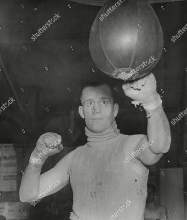 Jack Lord The Rochdale Welterweight Boxer. Box 665 329011646 A.jpg.