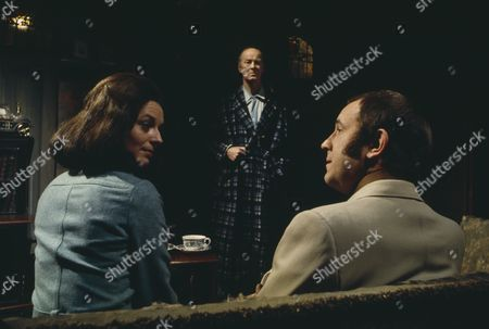 Ian Hendry, Wendy Gifford, John Welsh (Season 1, Episode 9 - Bed and Breakfast)