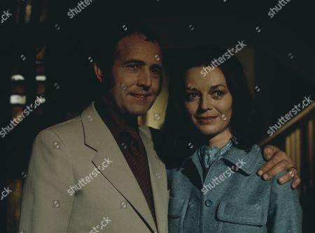 Ian Hendry, Wendy Gifford (Season 1, Episode 9 - Bed and Breakfast)
