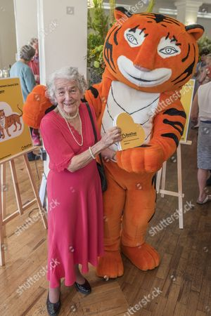 Judith Kerr, with the tiger from the book