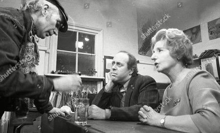 Clive Swift, Patience Collier, Joe Ritchie (Season 1, Episode 11 - The Schoolroom)